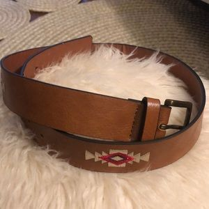 Forever 21 faux leather belt w embroidery. S/M
